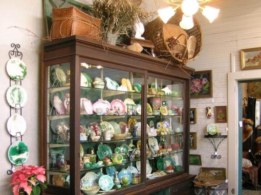 Antiques & Boutiques Shopping