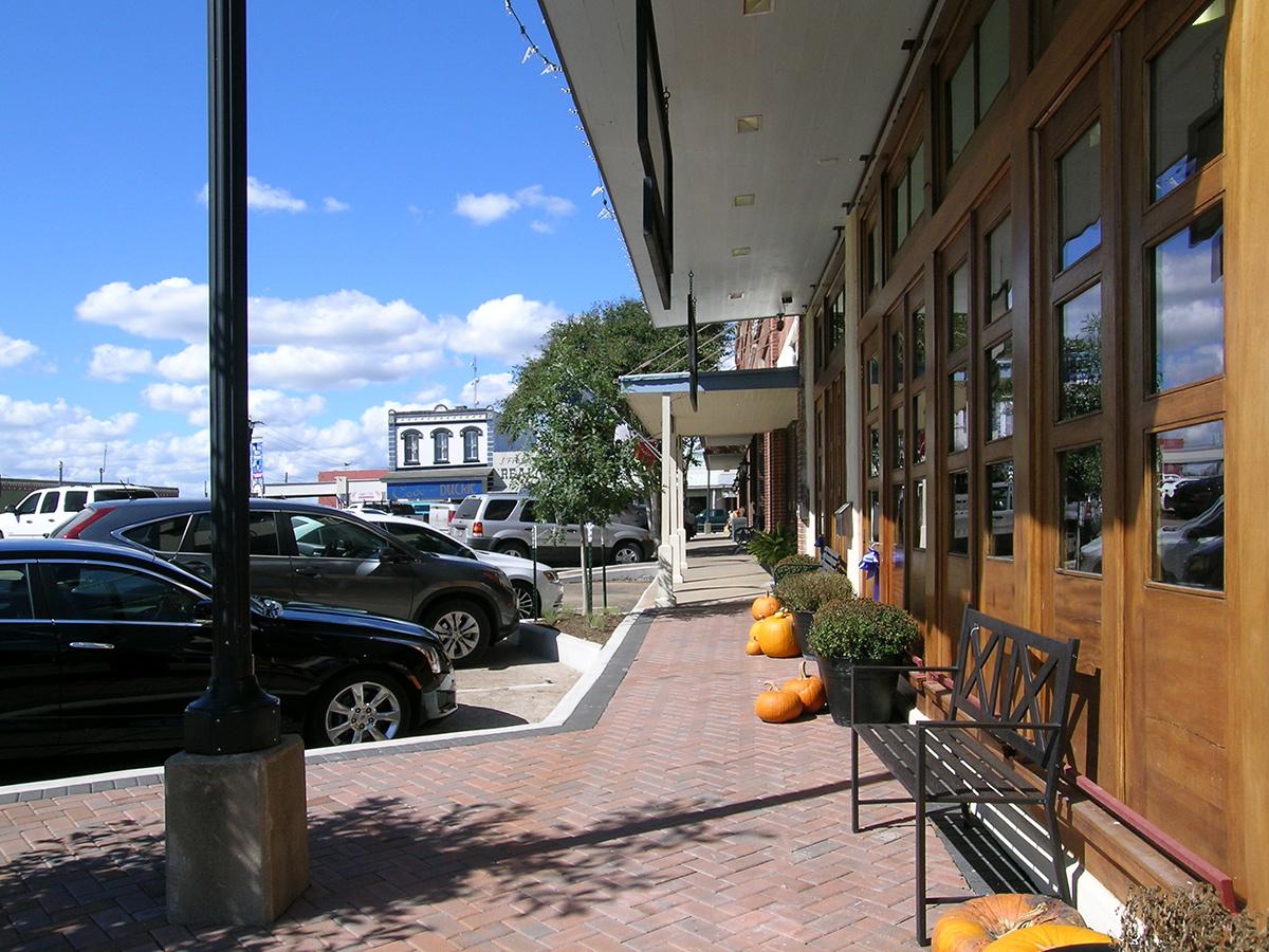 BellvilleDowntown-JerryOlson3677-w