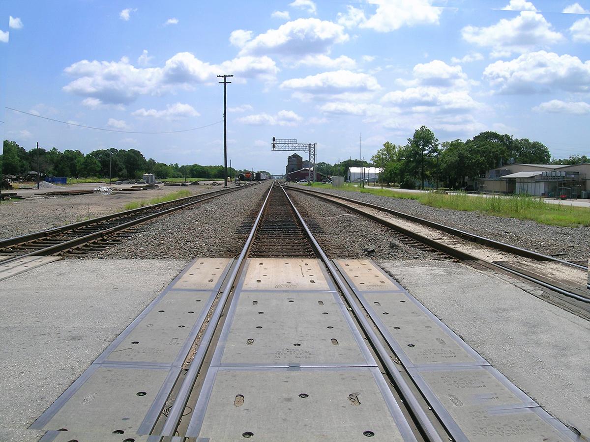 traintracks-sealysw